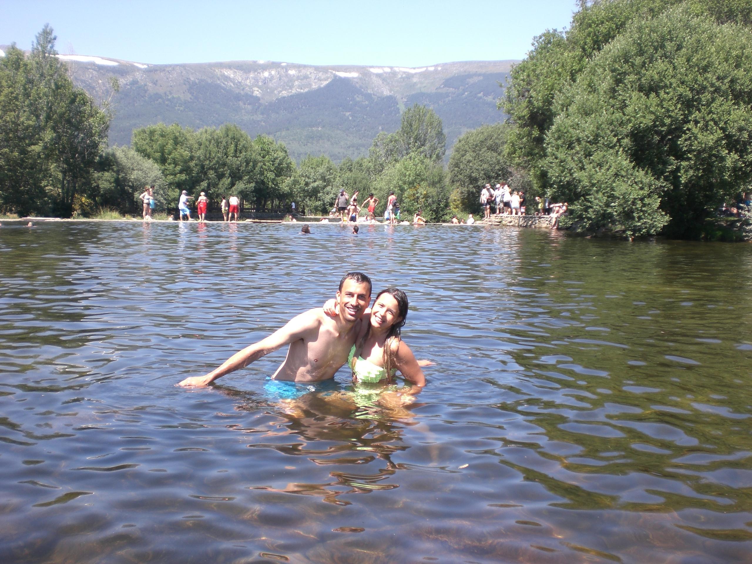 Piscinas naturales en rascafr a madrid natural pools in for Las presillas piscinas naturales