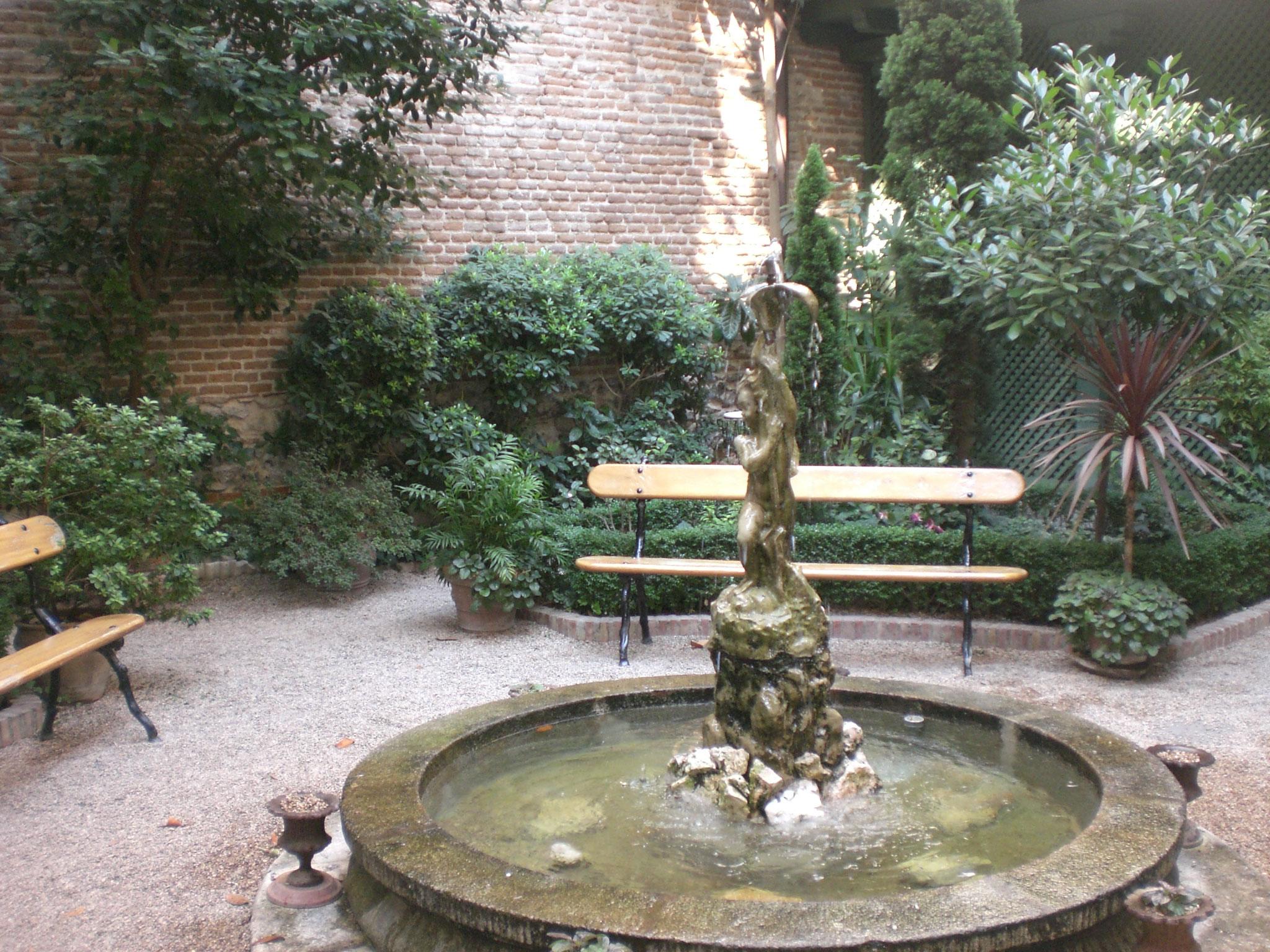 Caf del jard n missestratagemas for Libro jardin olvidado